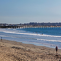 USA, California, San Diego. Pacific Beach with Crystal Pier.