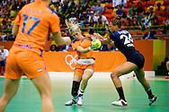 RIO DE JANEIRO - Estavana Polman van Nederland in de Future Arena tijdens de halve finale tegen Frankrijk op de Olympische Spelen van Rio.Handbalsters verliezen halve finale tegen Frankrijk  COPYRIGHT ROBIN UTRECHT