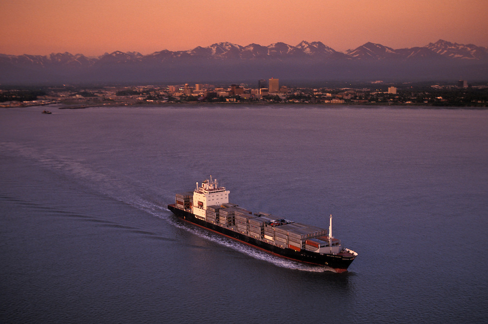 Horizon container ship leave Port of Anchorage