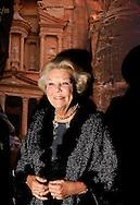 "LEIDEN – The arrival of Princess Beatrix , Princess Sumaya Bint El Hassan off jordania and Prinses Dana Firas of jordania for the opening of the exhibition "" Petra ,Wonder in the desert "" COPYRIGHT ROBIN UTRECHT"
