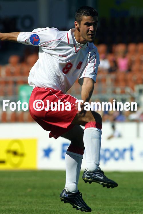 Juha Tamminen, 29.07.2001, Helsinki, Finland: UEFA Under-18 European Championship Final, Czech Republic v Poland. Dariusz Zawadzki (Poland)..©JUHA TAMMINEN