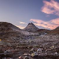 Tents in Koldedalen under Uranostind