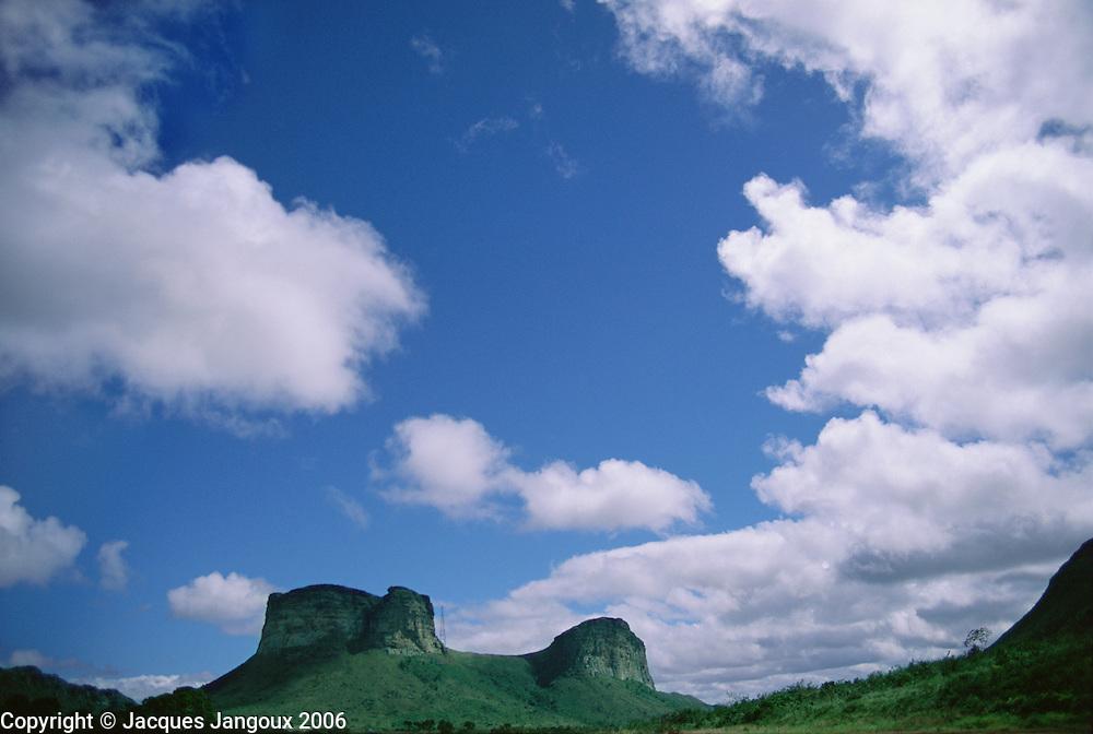 Morro do Pai Inacio table mountain in Chapada Diamantina, Brazilian Highlands, Bahia State, Brazil
