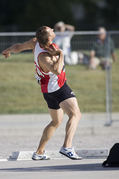 12 July 2007 (Windsor--Canada) -- The 2007 Canadian National Track and Field Championships... James Holder competing in the decathlon shot put.