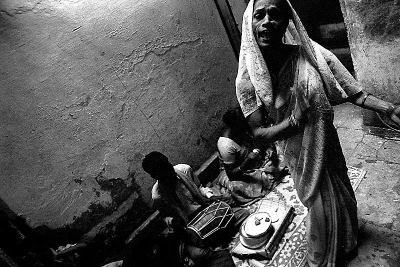 hijras, kinnars, third sex, sexual minority, india, hiv, aids, hiv/aids, transgender
