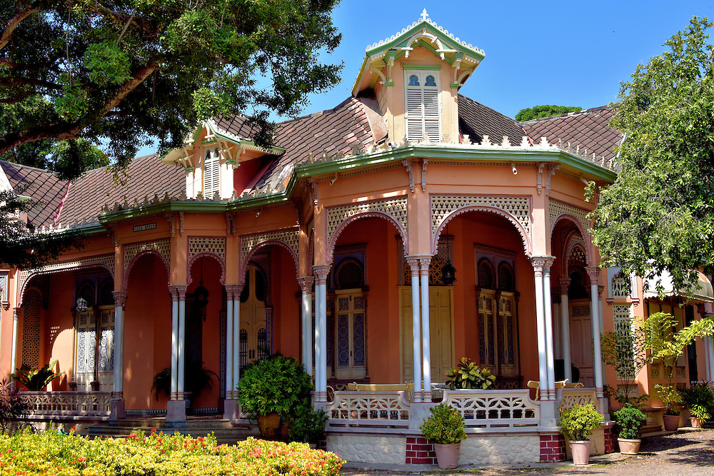 Casa Rom&aacute;n on Manga Island in Cartagena, Colombia<br /> This exquisite, 19th century Moorish mansion along Calle 25 on Manga Island is the life-long residence of Teresita Rom&aacute;n V&eacute;lez and her collection of 1,500 dolls from around the world.  Her countless civil contributions to Cartagena earned her the title of honorary mayor in 2006. A noted chief and writer, she published her first collection of local recipes in 1963 called &ldquo;Cartagena de Indias en la Olla&rdquo; which means Cartagena in the Pot. Since then, her books have sold over 600,000 copies.  This splendid home should not be confused with the Hotel Casa Cordoba Rom&aacute;n in Old Town.
