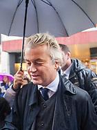 BREDA - PVV leader Geert Wilders restart his campaign in a rainy but pressure Breda. COPYRIGHT Robin Utrecht / jesper drenth<br /> BREDA - PVV leider Geert Wilders herstart zijn campagne in een regenachtig maar druk Breda. COPYRIGHT robin utrecht / jesper drenth