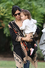 NOV 13 2014 Jenna Dewan-Tatum and her daughter Everly