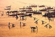 Vietnam Images-Seascape-Market-Vinh