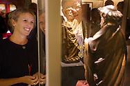 Nederland, Utrecht, 16-10-2014<br /> In Utrecht bekijkt burgemeester Jan van Zanen (midden) samen met conservator Micha Leeflang (links) het Petrusbeeld in de nieuwe zaal in het Museum Catharijneconvent. Het is  een voor Nederland uniek beeld van apostel Petrus. Het beeld, een houten sculptuur uit het atelier van de in Haarlem geboren beeldhouwer Claux de Werve (1380 - 1439), is de nieuwste en duurste aanwinst van Museum Catharijneconvent. Het museum heeft 400.000 euro neergeteld. De sculptuur komt waarschijnlijk uit een cisterci&euml;nzerabdij in Theuley in het oosten van Frankrijk en is door het museum gekocht tijdens de Tefaf beurs. Het is het eerste werk van De Werve dat in Nederlands bezit is. et werk staat in de  Catharinezaal, een nieuwe expositieruimte waar de topstukken van het museum te zien zijn. Daaronder ook de monstrans die  een paar jaar geleden was gestolen en later is terugvonden.<br /> <br /> Utrecht Mayor Jan van Zanen reveals a unique statue of Apostle Peter. The image, a wooden sculpture from the studio of Claux de Werve (1380 - 1439), is the newest and most expensive acquisition of museum Catharijneconvent. The sculpture is probably from a Cistercian abbey in Theuley in eastern France and was purchased by the museum during the TEFAF fair. It is the first work of De Werve which is in Dutch hands. The unveiling will take place during the opening of Catharine Hall, a new exhibition space which houses the masterpieces of the museum. This includes the monstrance that a few years ago was stolen and found again later.<br /> Foto: Bas de Meijer / Hollandse Hoogte