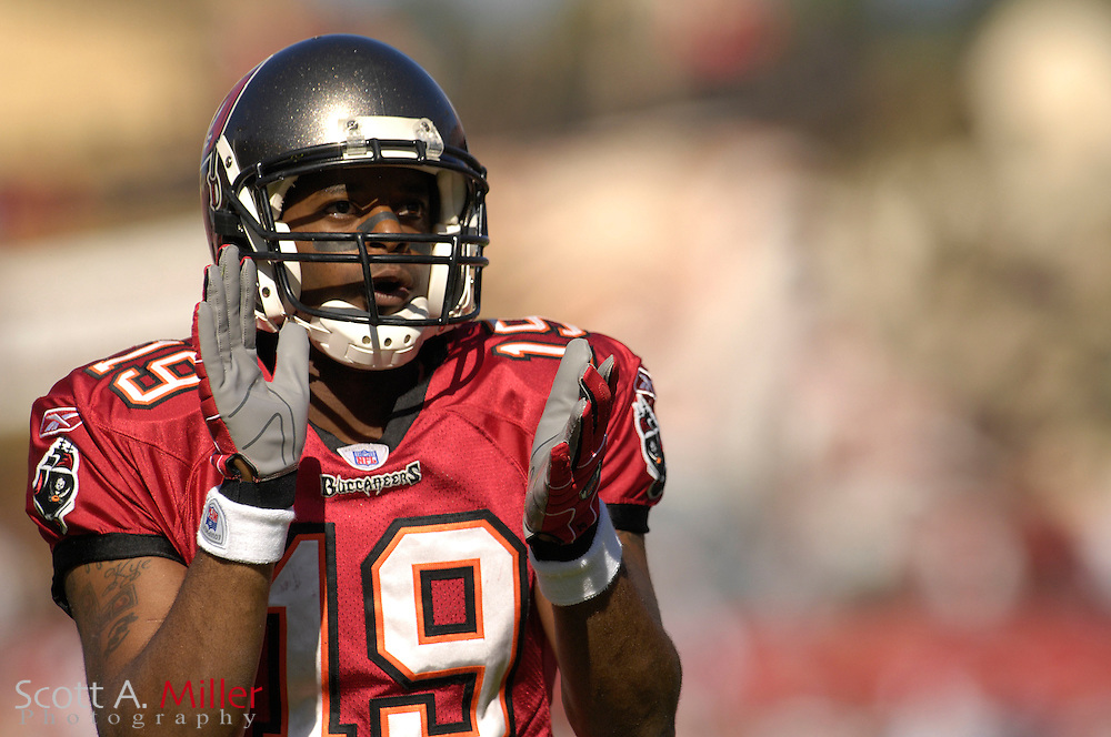 Dec. 23, 2007; Tampa, FL, USA; Tampa Bay Buccaneers wide receiver Ike Hilliard (19) during the Bucs game against the Atlanta Falcons at Raymond James Stadium....©2007 Scott A. Miller
