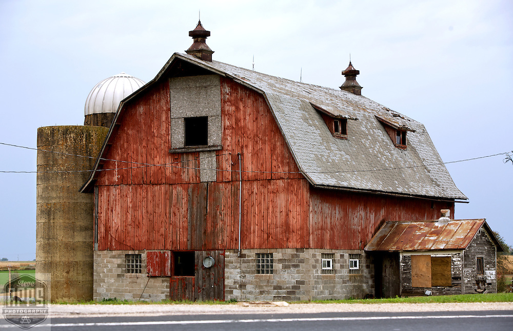 A collection of Barns that still can be seen while traveling the countryside in  the beautiful State of Wisconsin.<br /> Monroe County- Barn on Hwy 27 just out of Cashton. Barns from around the State of Wisconsin.
