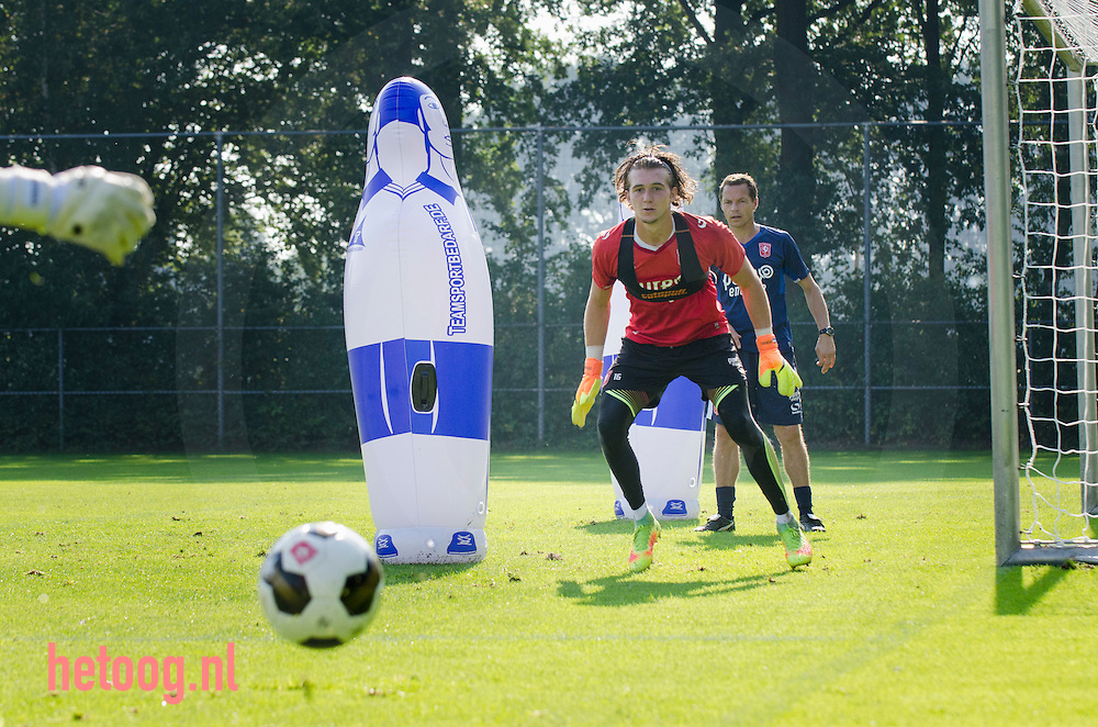 Nederland,Hengelo (o) 26aug2016 training van FCTwente op het trainingscomplex in Hengelo voor de derde wedstrijd tegen Sparta Rotterdam voetbalcompetitie seizoen 2016-2017 Fotografie: Cees Elzenga
