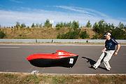 Bernhard B&ouml;hler is net van start gegaan in zijn poging het 24 uurs record ligfietsen te verbreken.<br /> <br /> Bernhard B&ouml;hler has started his 24 hours record race
