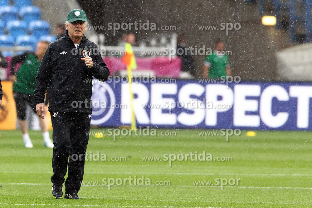 09.06.2012, Stadion Miejski, Poznan, POL, UEFA EURO 2012, Irland, Training, im Bild GIOVANNI TRAPATTONU (TRENER/ HEAD COACH) // during the during EURO 2012 Trainingssession of Ireland Nationalteam, at the stadium Miejski, Poznan, Poland on 2012/06/09. EXPA Pictures © 2012, PhotoCredit: EXPA/ Newspix/ Jakub Piasecki..***** ATTENTION - for AUT, SLO, CRO, SRB, SUI and SWE only *****