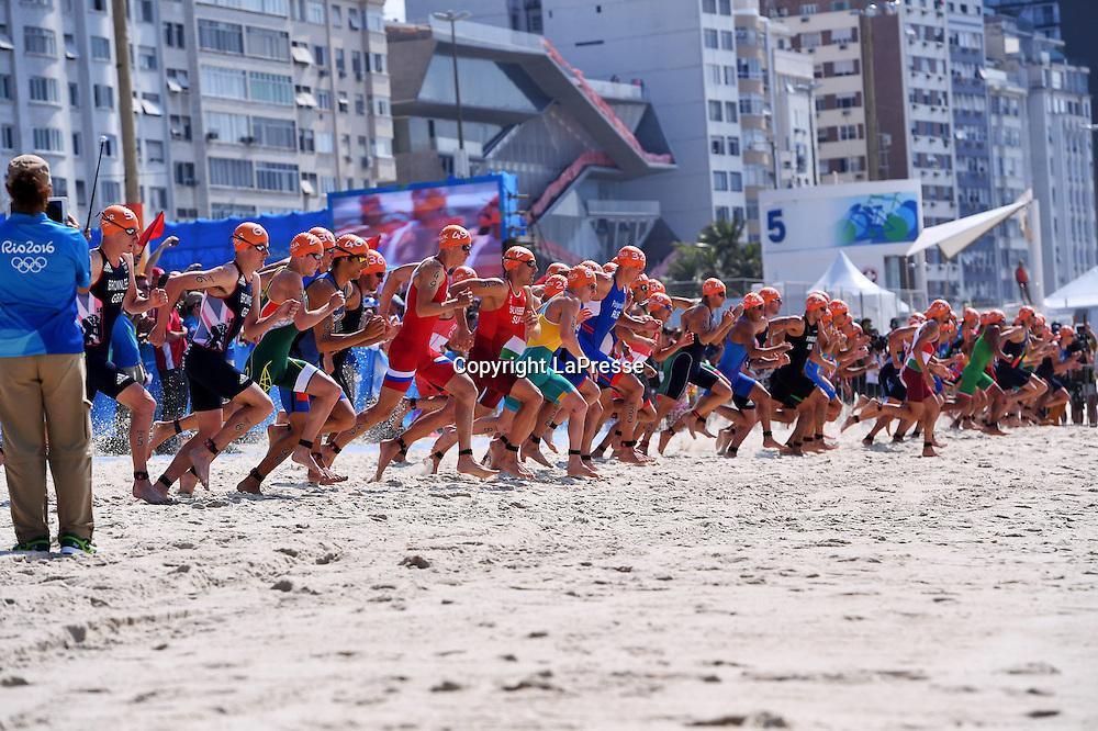 Foto  LaPresse/  Gian Mattia D'Alberto<br /> 18-08-2016  Rio de Janeiro<br /> sport<br /> Giochi Olimpici Rio 2016 - triathlon<br /> nella foto: la gara<br /> <br /> Photo LaPresse/ Gian Mattia D'Alberto<br /> 18-08-2016  Rio de Janeiro<br /> Rio 2016 Olympic  Games - triathlon<br /> In the picture:  the race