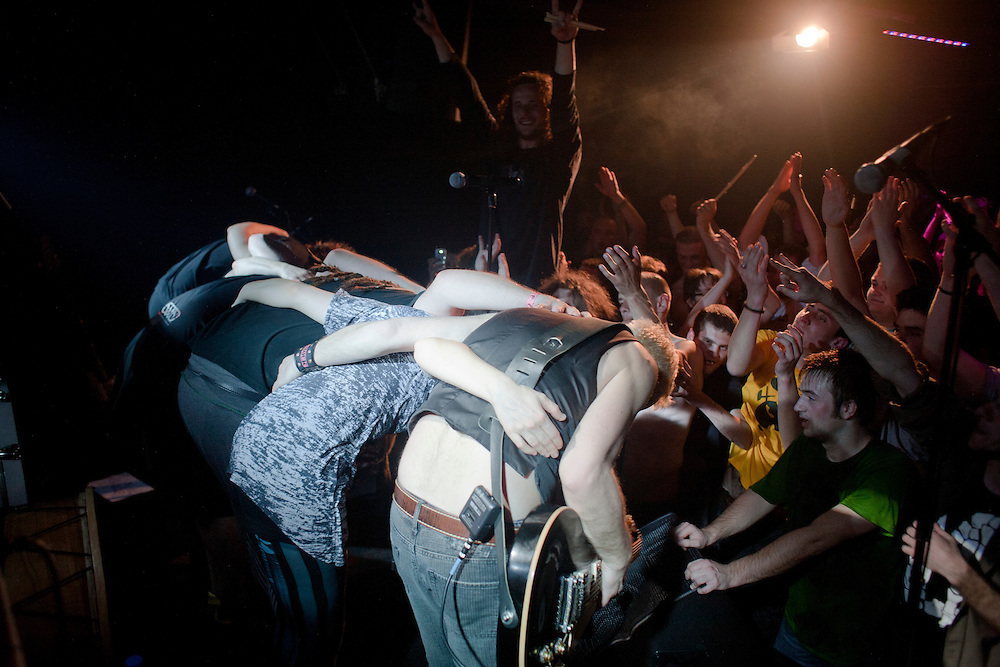 Kultur Shock bows to the crowd at DFK Club in Banja Luka as they finish their performance...
