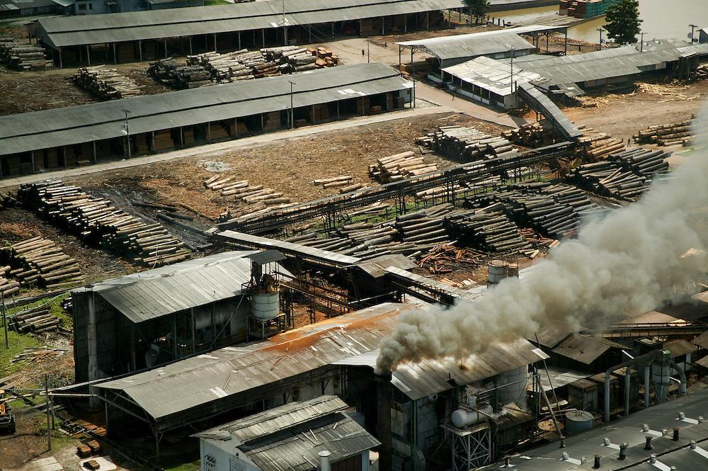 Dec. 11, 2003. The Madenorte sawmill at Breves in Para State, Brazil. ©Daniel Beltra