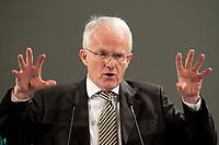 11 JAN 2010, KOELN/GERMANY:<br /> Dr. Juergen Ruettgers, CDU, Ministerpraesident Nordrhein-Westfalen, dbb Jahrestagung &quot;Europa nach Lissabon - Fit fuer die Zukunft?&quot;, Messe Koeln<br /> IMAGE: 20100111-01-100<br /> KEYWORDS: J&uuml;rgen R&uuml;ttgers