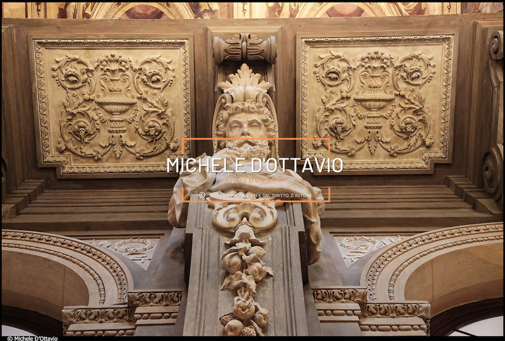 Museo Nazionale del Risorgimento di Torino ha sede nel palazzo Carignano. Profondamente rinnovato in occasione del 150° presenta con nuovi allestimenti  documenti, cimeli, armi, uniformi, vessilli e opere d'arte raccontano la storia d'Italia dalla fine del XVIII secolo alla prima Guerra Mondiale.