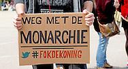 AMSTERDAM - Abulkasim Al-Jaberi spreek tijdens een demonstratie op het Museumplein. De actie-groep Fuck Racisme - Fuck de Koning protesteert tegen de mogelijke vervolging van de activist Abulkasim Al-Jaberi, die tijdens een demonstratie tegen Zwarte Piet Fuck de Koning riep COPYRIGHT ROBIN UTRECHT