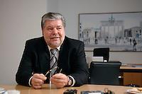 08 JAN 2007, BERLIN/GERMANY:<br /> Kurt Beck, SPD Parteivorsitzender und Ministerpraesident Rheinland-Pfalz, waehrend einem Interview, in seinem Buero, Willy-Brandt-Haus<br /> Kurt Beck, Party Leader of the Social Democratic Party, during an interview, in his office, Willy-Brandt-Haus<br /> IMAGE: 20070108-01-057<br /> KEYWORDS: Ministerpr&auml;sident