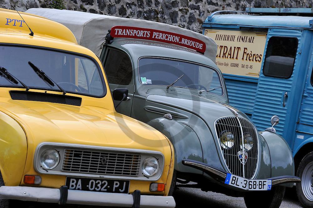 27/04/14 - BRIOUDE - HAUTE LOIRE - FRANCE- Rassemnblement de vehicules utilitaires dans le Haut Allier - Photo Jerome CHABANNE
