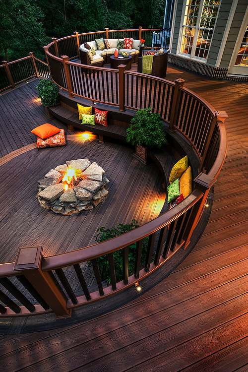 Trex deck on the back of a Virginia home at dusk
