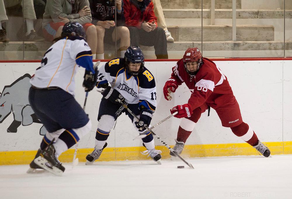 Taft School-February 8, 2014- Boys varsity hockey vs Hotchkiss. (Photo by Robert Falcetti)