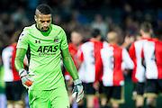 ROTTERDAM - Feyenoord - AZ , Voetbal , Eredivisie, Seizoen 2015/2016 , Stadion de Kuip , 25-10-2015 , AZ keeper Gino Coutinho (l) baalt van de 2-1