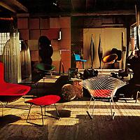 Harry Bertoia in Studio.
