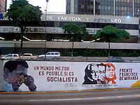 Caracas - Avenida Francisco Miranda, La via che divide a Meta' Caracas davanti la sede del ministero dell'energia
