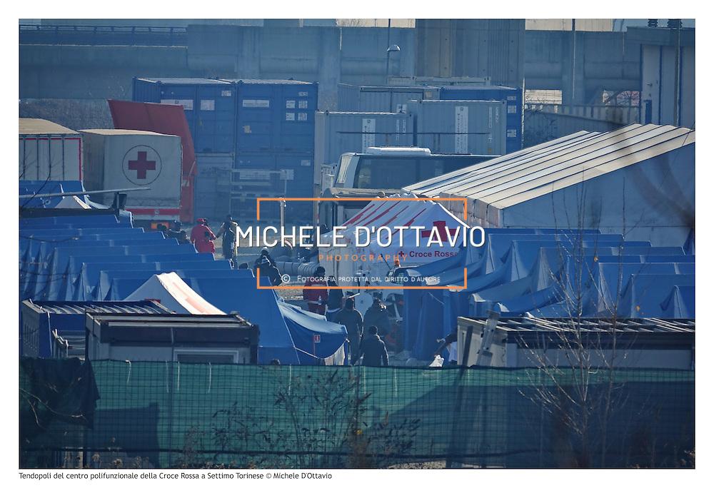 Tendopoli del centro polifunzionale della Croce Rossa a Settimo Torinese è l'hub temporaneo per i profughi in arrivo in Piemonte.