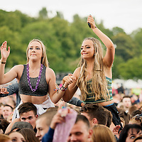 Festival goers at the Glasgow Summer Sessions at Bellahouston Park on August 30, 2015 in Glasgow, Scotland. Photo by Ross Gilmore