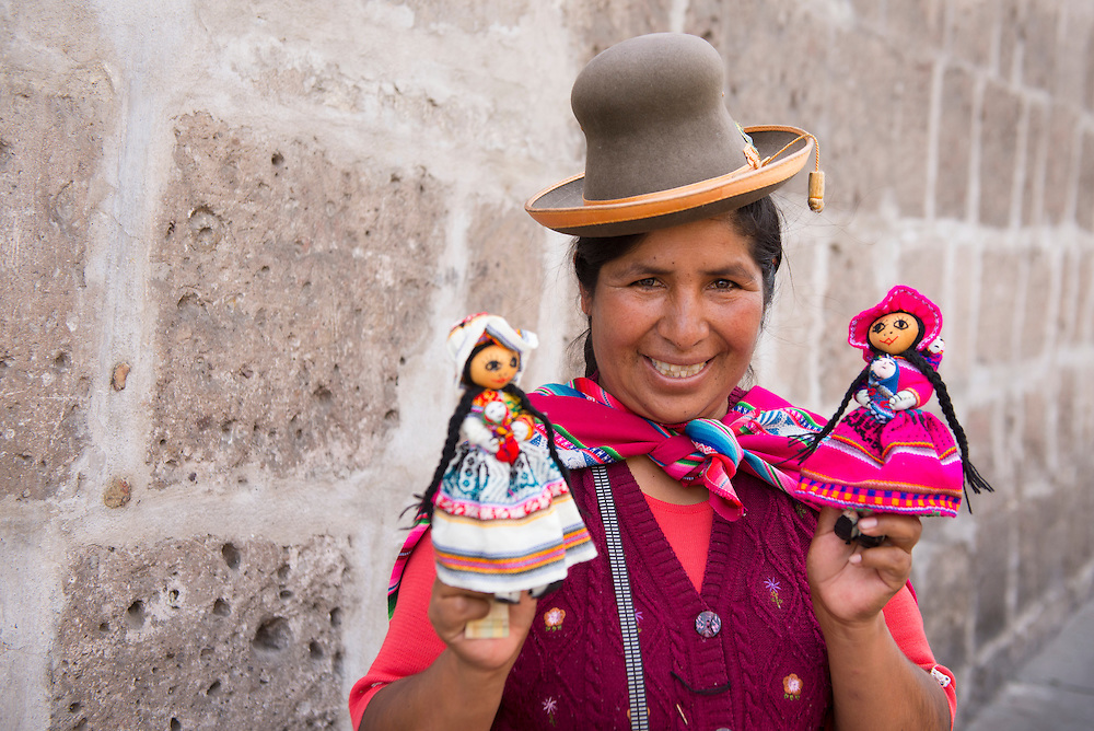 South America; Peru; Arequipa, street vendor from Cuzco