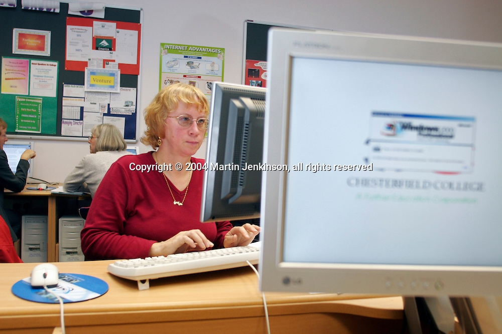 Jane Fearnley, Brampton Primary. NUT ICT course at Chesterfield College...© Martin Jenkinson, tel 0114 258 6808 mobile 07831 189363 email martin@pressphotos.co.uk. Copyright Designs & Patents Act 1988, moral rights asserted credit required. No part of this photo to be stored, reproduced, manipulated or transmitted to third parties by any means without prior written permission