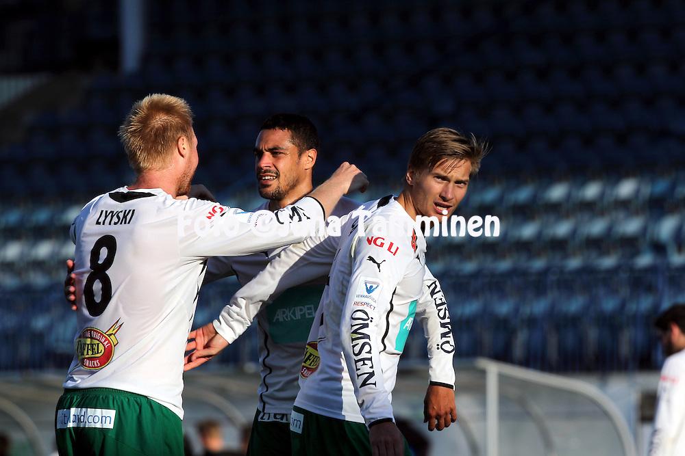13.9.2014, Veritas Stadion, Turku.<br /> Veikkausliiga 2014.<br /> FC Inter Turku - IFK Mariehamn.<br /> Jani Lyyski, Bobbie Friberg da Cruz &amp; Kristian Kojola (IFK Mhamn) juhlivat voittoa.
