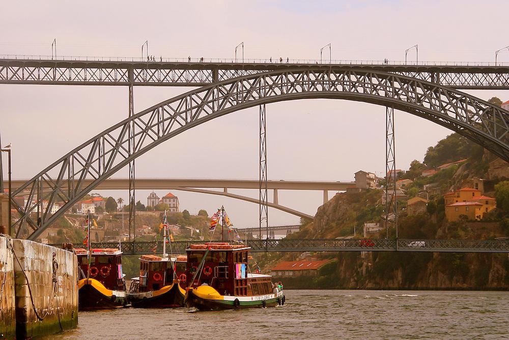Ponte Dom Luis I over Rio Douro