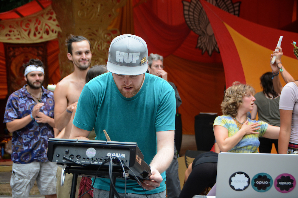 Opiuo featuring Austero from Beloved Sacred Arts Festival 2013