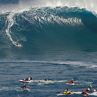 Jaws : December 7. High surf warning comes true