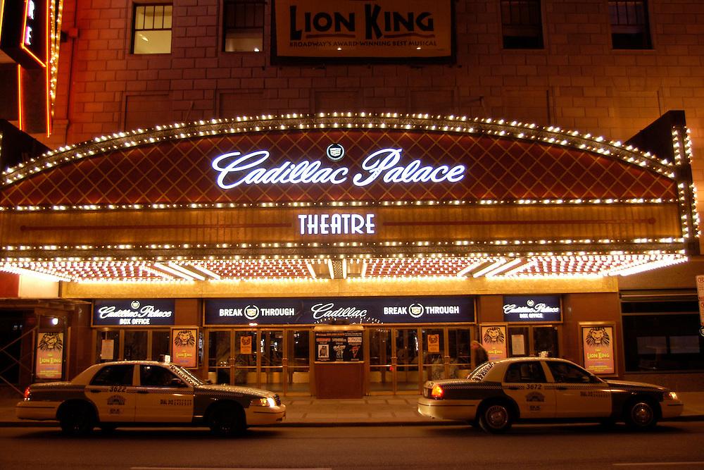 USA,  Illinois, Chicago, Cadillac Pallace Theatre, Theatre District, Taxis