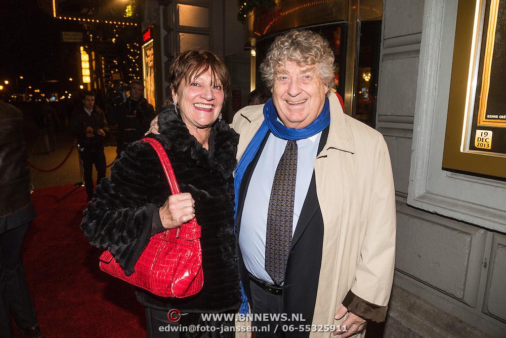 NLD/Amsterdam/20131219 - Premiere Kerstcircus 2013 Carre, Tonny Eyk en partner Liesbeth Vasbinder