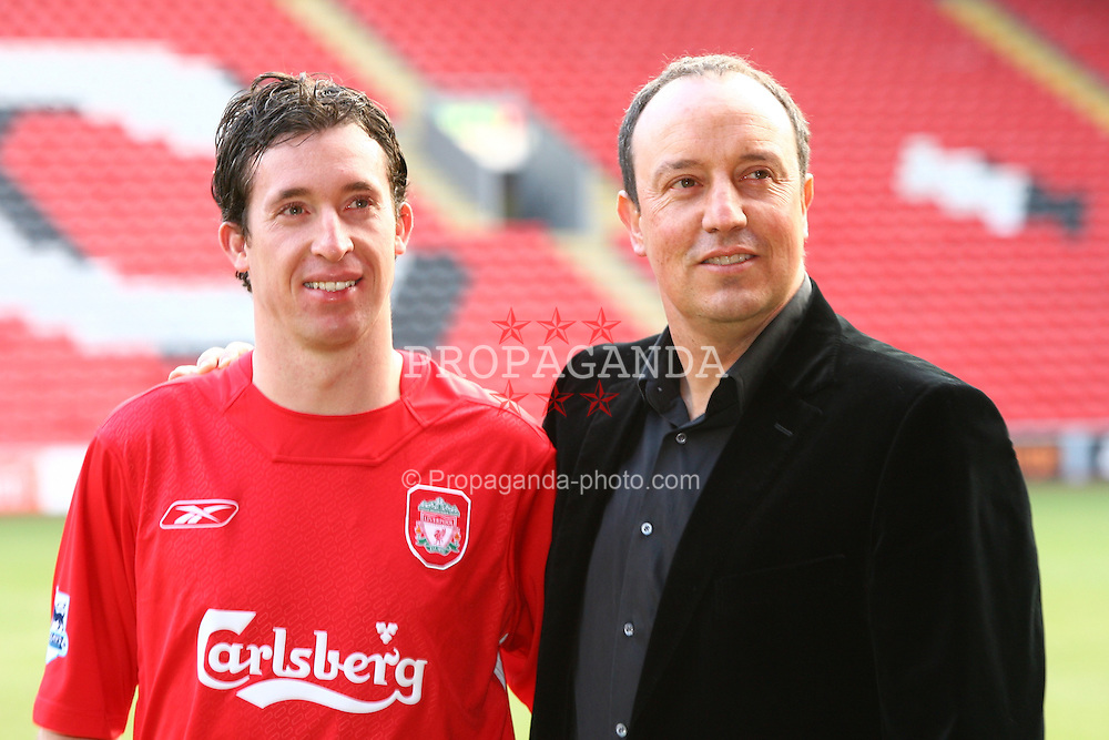 ¿Cuánto mide Robbie Fowler? - Real height 060130-010-Fowler