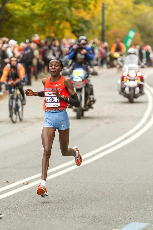 ING New York CIty Marathon: Priscah Jeptoo on way to victory near mile 25