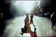 ©Stefano Meluni.20-12-2004 Barcelona Spain.City overview of Barcelona.nella foto: people cross the Catalunya Rambla