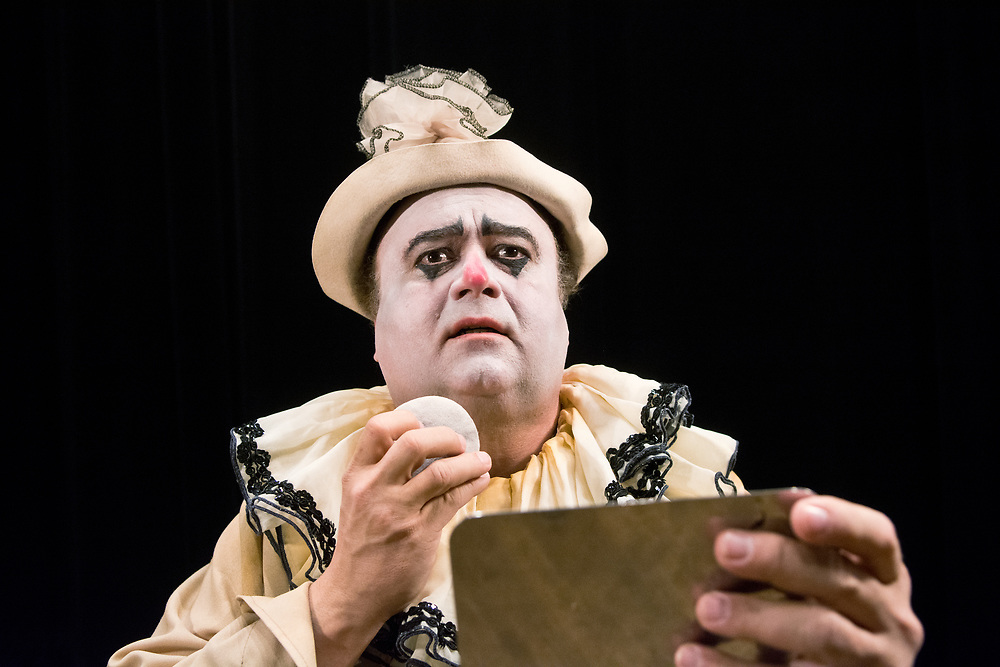 mkb031417f/arts/Marla Brose<br /> Ra&uacute;l Melo, playing Pagliaccio, is performing in Opera Southwest's &quot;Pagliacci&quot;. (Marla Brose/Albuquerque Journal