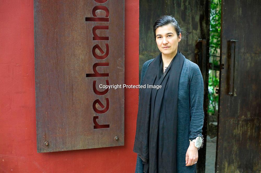 BEIJING, APRIL 19 : Modedesignerin Kathrin von Rechenberg vor ihrem Pekinger Atelier 2 Tae vor ihrer Fruehlingsshow 2012.