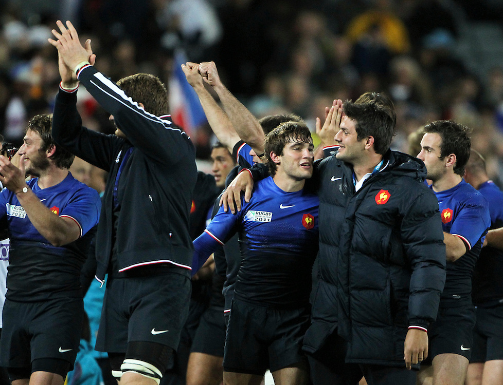 France celebrate their win over England in their Rugby World Cup quarter-final match at Eden Park, Auckland,  New Zealand, Saturday, October 08, 2011. Credit:SNPA / John Cowpland