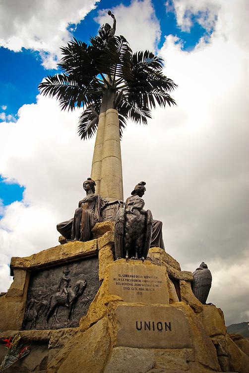 LA INDIA DE CARICUAO<br /> Caracas - Venezuela 2008<br /> Photography by Aaron Sosa<br /> <br /> La India de El Paraiso es uno de los monumentos que conforman el Patrimonio Historico de la ciudad capital. La India de El Para&iacute;so es un monumento ubicado en Caracas, Venezuela en conmemoraci&oacute;n de la Independencia de ese pa&iacute;s tras la Batalla de Carabobo. Es el punto de encuentro de cuatro avenidas, P&aacute;ez, O'Higgns, Teher&aacute;n y Principal de La Vega, adem&aacute;s sirve de punto lim&iacute;trofe entre las parroquias El Para&iacute;so y La Vega.