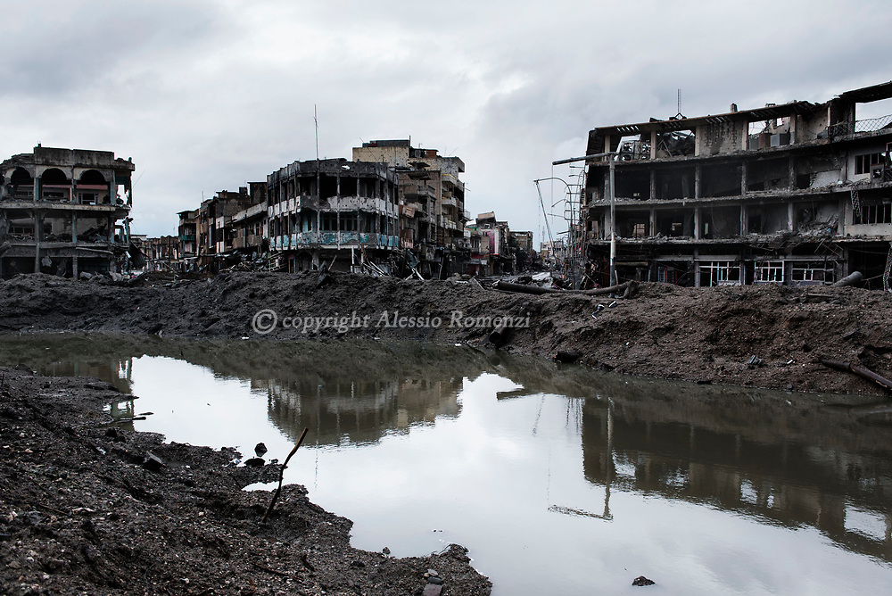 Iraq, Mosul: Heavily destroyed by fighting between Iraqi forces and ISIS fighters in Dawwasah neighbourhood in west Mosul. Alessio Romenzi